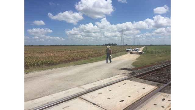 Authorities at the scene of a deadly hot air balloon crash west of Lockhart on July 30, 2016 (KXAN Photo)_318947