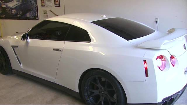 WATCH: Tow truck driver takes Nissan GT-R for joyride