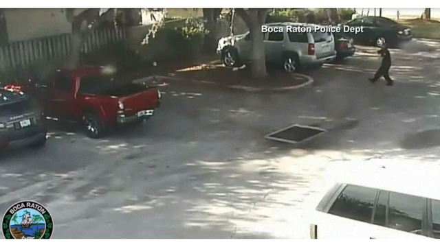 VIDEO: Burglary suspects jump right into police department's parking lot