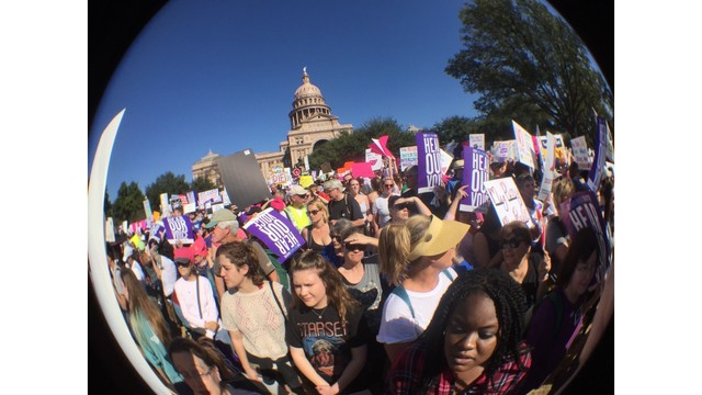 Women's march on atx_402594