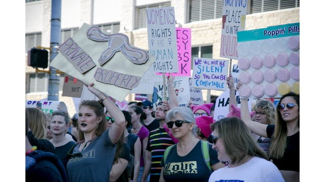 women's march on atx_402597