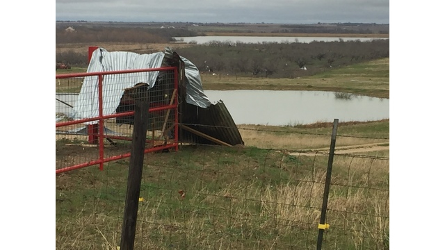 Power line downed at Country Road 427 in Thrall, Texas_422551