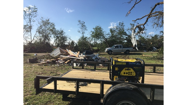 Groups assist those in need after East Texas tornadoes (KXAN photo_Kylie McGivern)_463188