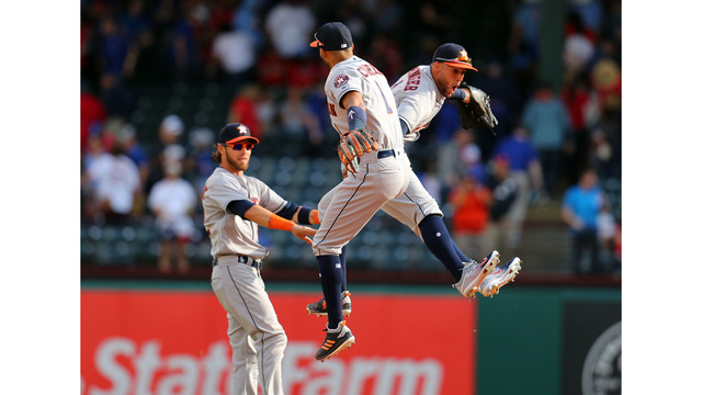 """Astros open with victory over Rangers"""""""